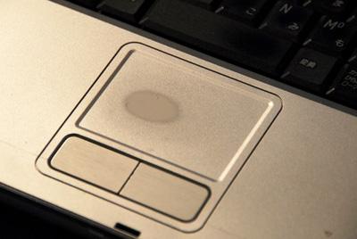 MacBook】ディスプレイが糞過ぎ【購入者が集団訴訟YouTube動画>6本 ->画像>90枚