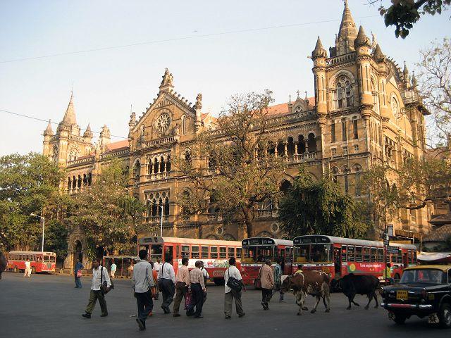 d0113853_2134576.jpg インドは若いうちに行け~第2日目:チャトラパティ・シヴ