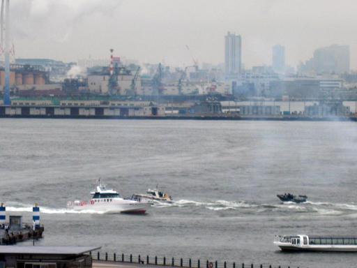 神奈川県警の海上訓練