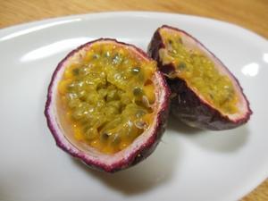パッションフルーツの収穫 - ぷぅ(プリモプエル)とmoonのひとり言