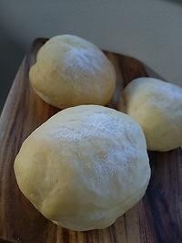 ハイジの白パンで朝ごパン - 料理研究家ブログ行長万里  日本全国 美味しい話