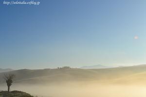 霧の朝 - イタリア・トスカーナの空-cieloditoscana-