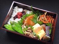 6/20 メカジキの生姜焼き弁当 - ひとりぼっちランチ