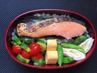 6/23 海苔鮭弁当 - ひとりぼっちランチ