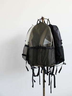 and wander 20L Day Pack - 『Bumpkins putting on airs』
