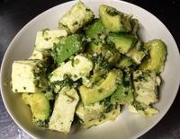 豆腐とアボカドのバジルペースト和え&秋鮭のパスタサラダ - ポテサラ道場
