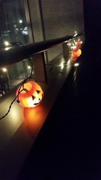IKEA×セリア 夜のハロウィンライトアップ(*´∀`) - ねことおうち