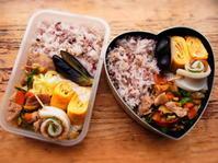 【ふたり弁】豚肉野菜の生姜炒め。初・ホタテご飯。 - あの日、あの味。