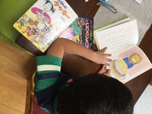 読書と並縫いで巾着作り 一年生 - わたし的日常☆東京☆おもちゃで幼児教育