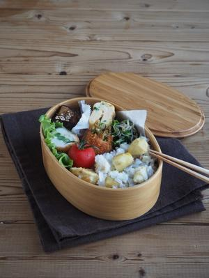 栗ご飯とチーズ入りささみカツ弁当 - Delicatusib