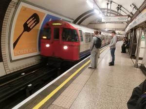 ロンドン地下鉄からの物体X - イ課長ブログ