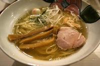 金沢(香林坊):Ramen & Bar ABRI(アブリ)「鯛煮干しらーめん(白)」 - ふりむけばスカタン