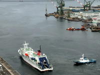 """10月9日(日)、神戸港中突堤から""""よこすか""""が出港しました - フォトカフェ情報"""