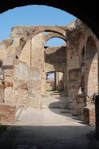 ローマ遺跡見学の穴場、オスティア・アンティーカ - ヴェネツィア ときどき イタリア・2