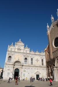 サンティ・ジョヴァンニ・エ・パオロ聖堂で、ヴェネツィア派の歴史をみる - ヴェネツィア ときどき イタリア・2