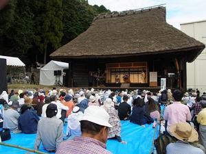 農村歌舞伎 - 来た道、往く道、どんな道。