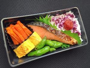 10/27 鮭弁当 - ひとりぼっちランチ