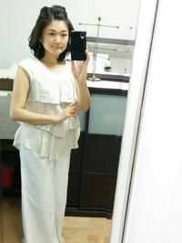 「白×ベージュ」のコーデに秋色ピアス - 恋する宝石箱「Atelier Yuu* アトリエユウ」