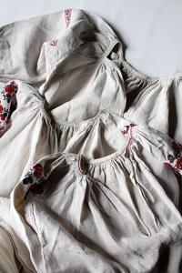 ウクライナアンティークリネン刺繍ワンピ - 佐々木洋品店のブログ