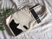 A4サイズの帆布トートバッグ - 布と木と革FHMO-DESIGNS(えふえっちえむおーでざいんず)Favorite Hand Made Original Designs
