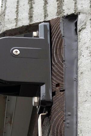 【入居1年】板張りの外壁が反ってきた - casagarage