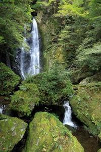長沢の滝 (恋のパワースポット) - ハチミツの海を渡る風の音