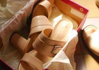 履き心地いい新しいミュールと20~30年前の靴の整理 - カリノ トウコ