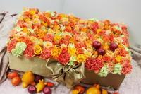 フラワーケーキ 横浜迎賓館様へ 秋の花のオレンジで - 一会 ウエディングの花