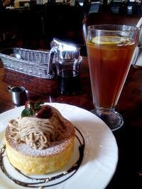 熊本 ふわっふわっ栗のスフレパンケーキ - うふふの時間