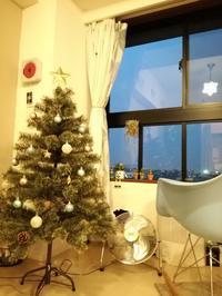 クリスマス飾りをたのしむためにスッキリさせたリビング。 - *peppy days*