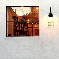 本屋の窓  - PASSAGE