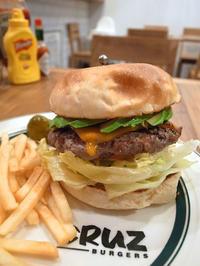 CRUZ BURGERS(四ツ谷) - avo-burgers ー アボバーガーズ ー