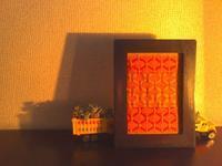 ランプの灯りで幻想的に - グルグルと菱