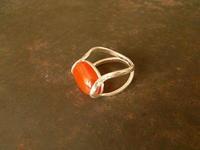 カーネリアン リング - 石と銀の装身具