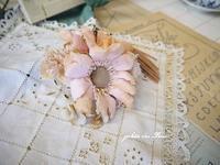 アンティーク花束を胸元に… - ガレット・デ・ロワ