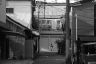 歩く - 東京エフニブ
