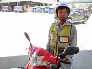 イ課長、ついにバイクタクシーに乗る - イ課長ブログ