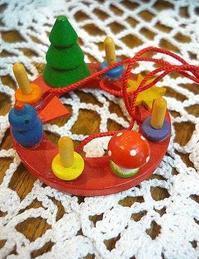ミニチュア・アドヴェントクランツに 可憐な祈りを捧げる クリスマスアドベント。。☆☆*:.。.☆*† - 代官山だより♪