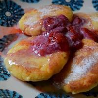 ロシアの白いチーズパンケーキ・シルニキ。 - アクデニズ。