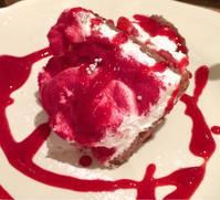 苺とホワイトチョコクランチのショートケーキ@Afternoon Tea TEAROOM - れしぴこ的 無駄なあがきっ!