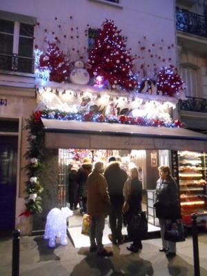 今日は Saint Nicolas、サン・二コラのお祭りの日、東フランスやベルギーでお祝いされる Santa Claus、サンタクロースの原点の姿・・・ - 波多野均つれづれアート・パート2