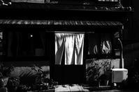 白い暖簾 - 写楽亭夢人日記