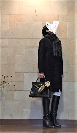 基本は白のセーターとパンツ&黒のロングブーツで♪ - ベルバーンに魅せられて