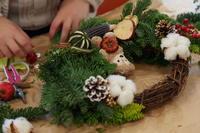 出張レッスン クリスマスリース 六本木ヒルズイージフ様へ - 一会 ウエディングの花