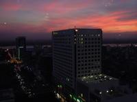 高層階から望むヤンゴンの街並み - アジアⅩのブログ