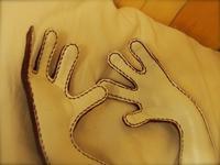 大きなワインレッドのカエル 作製中 - 布と木と革FHMO-DESIGNS(えふえっちえむおーでざいんず)Favorite Hand Made Original Designs