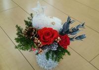生徒さん作品☆クリスマスアレンジ - お花とマインドフルネスな時間 ~花工房GreenBell~