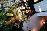冬の装花 シェ松尾松濤レストランさまへ  光 - 一会 ウエディングの花
