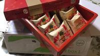 /// 佳徳鳳梨酥のパイナップルケーキを頂きました /// - 朝野家スタッフのblog