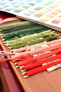 フェルト刺繍作品制作過程~No1 色を選ぶ~ - ビーズ・フェルト刺繍作家PieniSieniのブログ